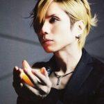 【Acid Black Cherry】yasuの髪型画像~黒髪vs金髪vs茶髪~